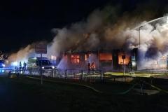 20210408_B3_brennt_Lagerhalle_Werkstatt_Feuerwehr_Dannenberg_2