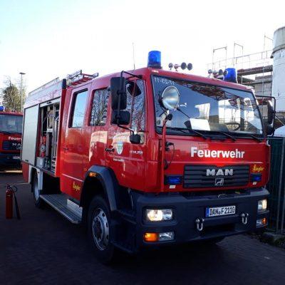 2011205_B1_Brennt_Gasflasche_Baustelle_Feuerwehr_Dannenberg_1