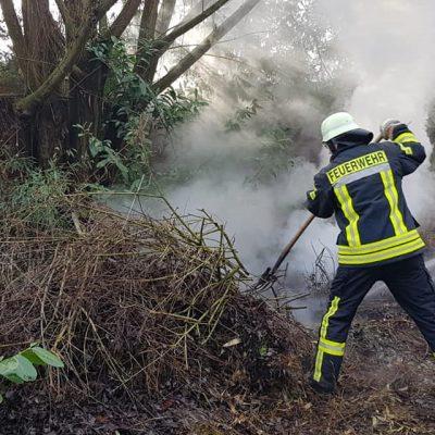 20190128_Feuer_Kompost_Feuerwehr_Dannenberg_2