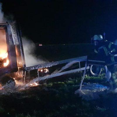 20190502_B1_Fahrzeugbrand_Feuerwehr_Dannenberg_1