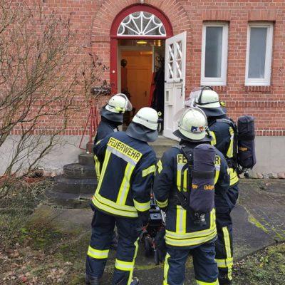 20200131_B1_Schwelbrand_in_Kueche_Feuerwehr_Dannenberg_3