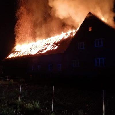 20200509_B2Y_Dachstuhlbrand_Quickborn_Feuerwehr_Dannenberg_1