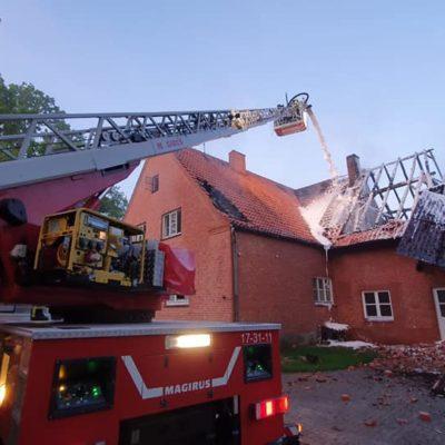 20200509_B2Y_Dachstuhlbrand_Quickborn_Feuerwehr_Dannenberg_2