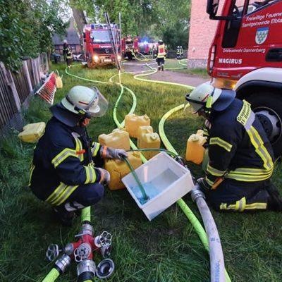 20200509_B2Y_Dachstuhlbrand_Quickborn_Feuerwehr_Dannenberg_3