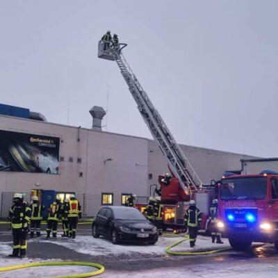 20210202_B3_Feuer_Industriebetrieb_Feuerwehr_Dannenberg_3